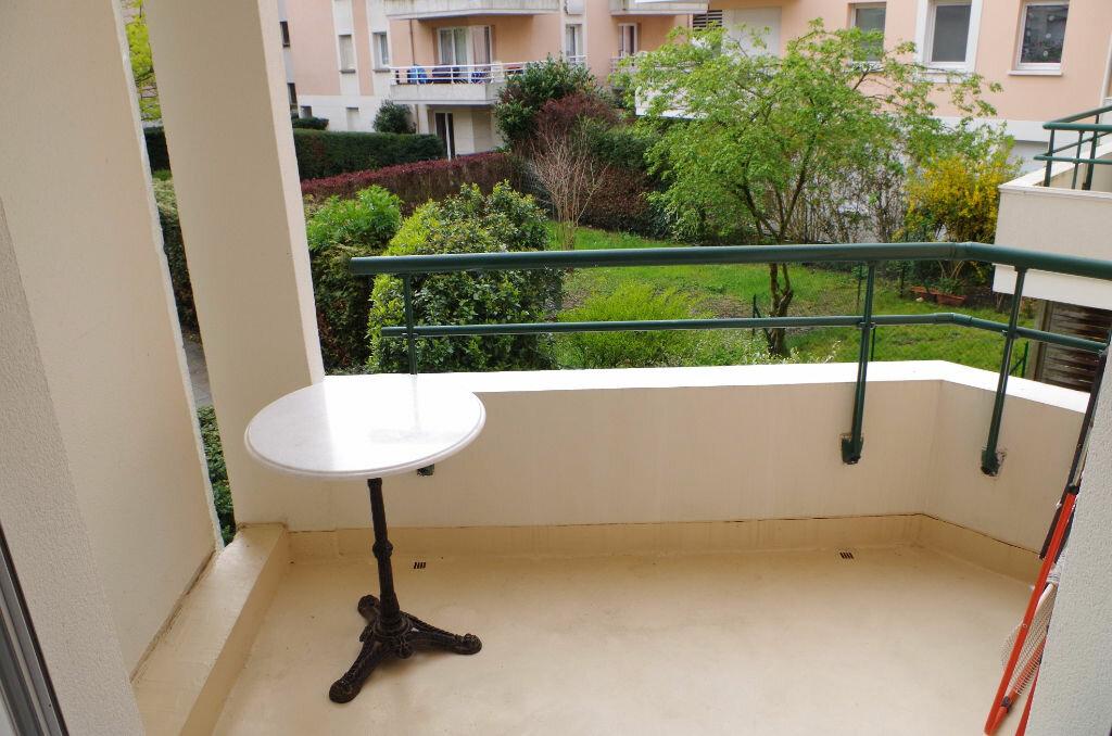Achat Appartement 1 pièce à Roissy-en-Brie - vignette-1