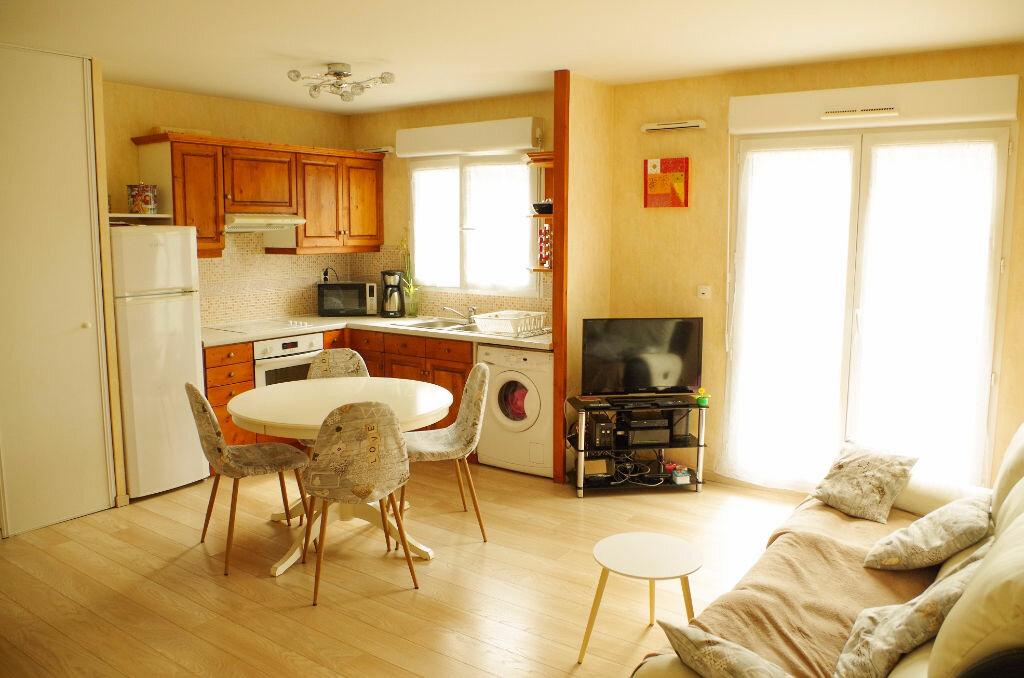 Achat Appartement 3 pièces à Roissy-en-Brie - vignette-2