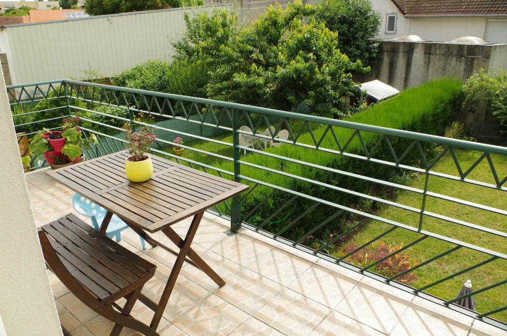 Achat Appartement 3 pièces à Roissy-en-Brie - vignette-5