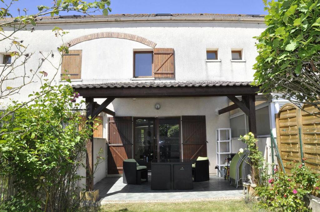 Achat Maison 4 pièces à Roissy-en-Brie - vignette-1