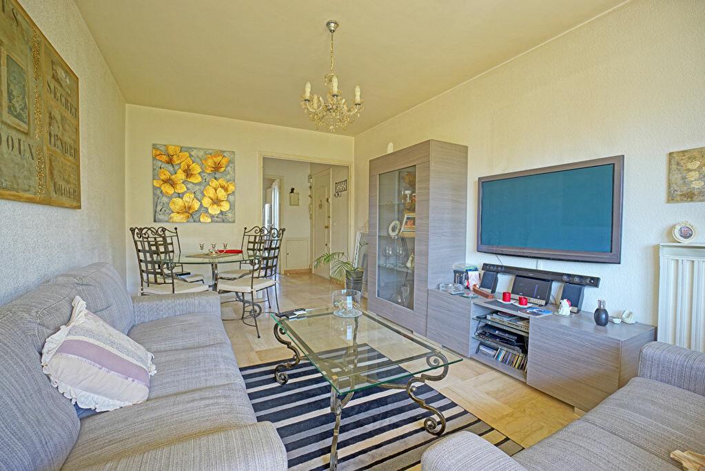 Achat Appartement 3 pièces à Mandelieu-la-Napoule - vignette-2
