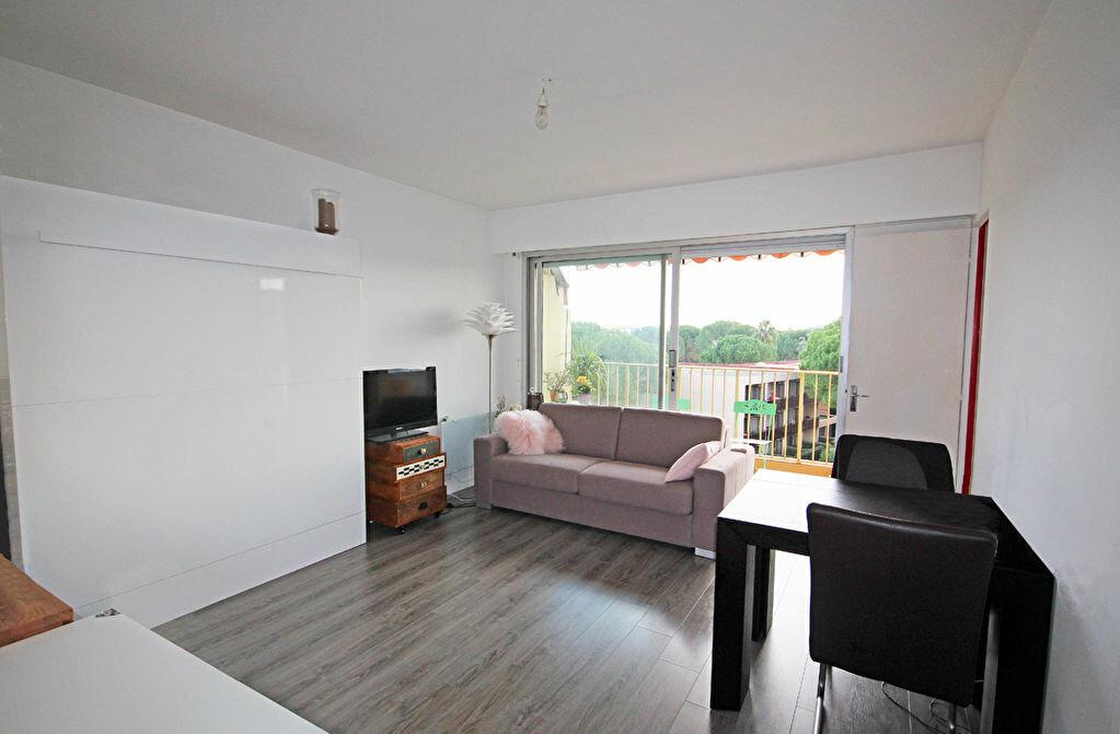 Achat Appartement 1 pièce à Mandelieu-la-Napoule - vignette-2