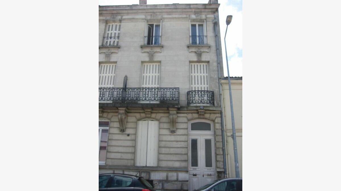 Achat Appartement 1 pièce à Rochefort - vignette-1