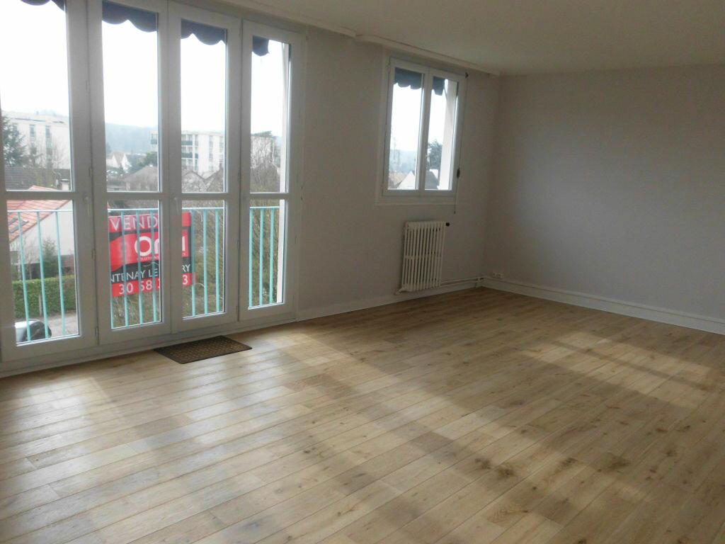 Achat Appartement 5 pièces à Fontenay-le-Fleury - vignette-1