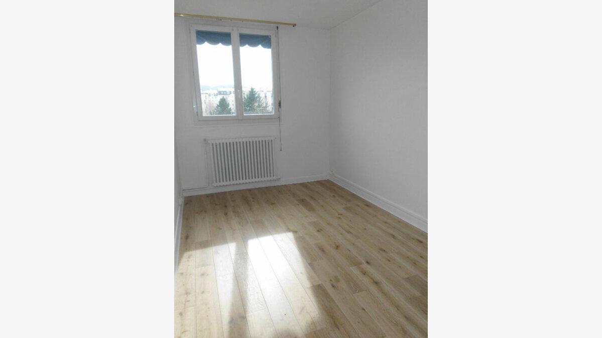 Achat Appartement 5 pièces à Fontenay-le-Fleury - vignette-4