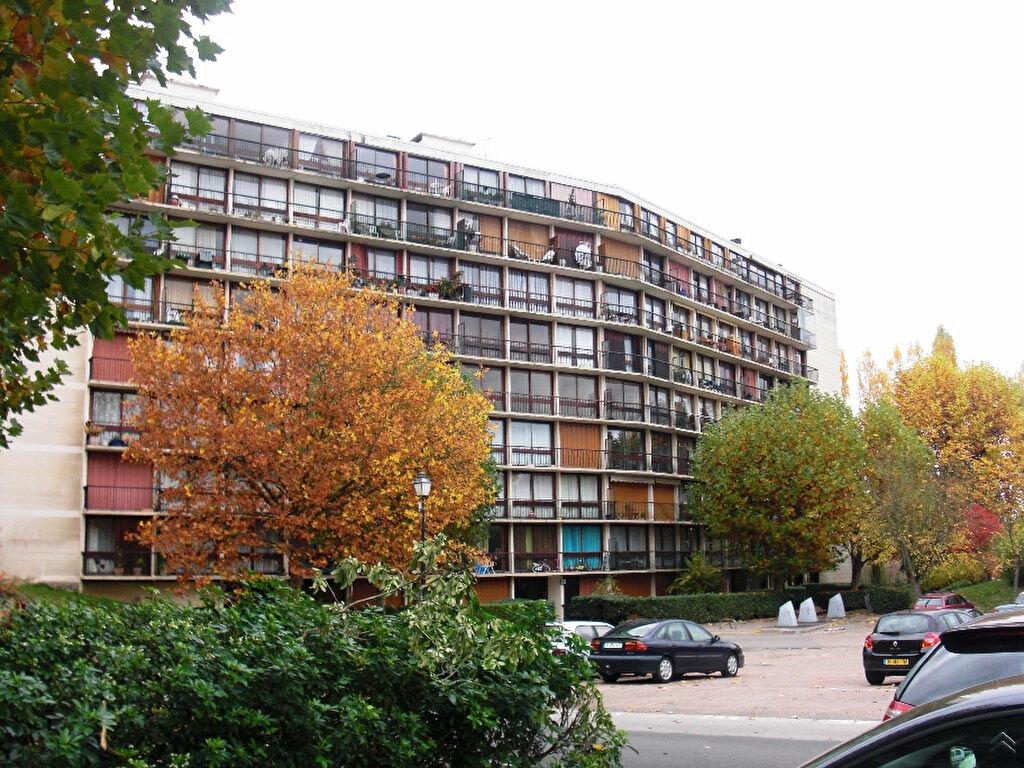 Achat Appartement 3 pièces à Fontenay-le-Fleury - vignette-4