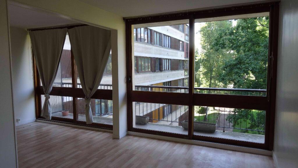 Location Appartement 4 pièces à Fontenay-le-Fleury - vignette-1