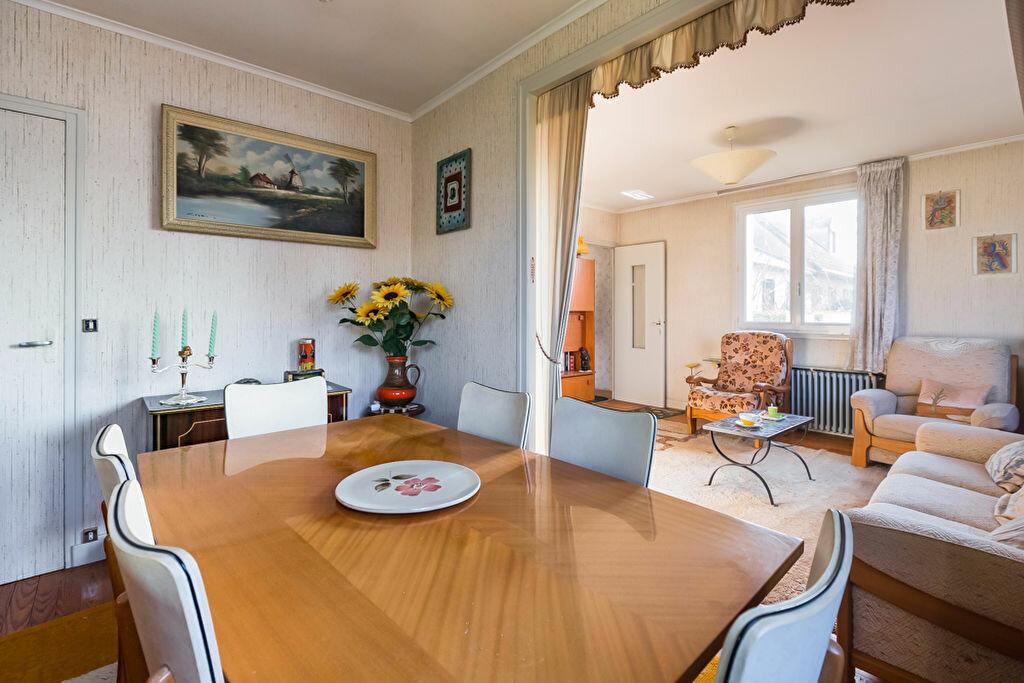 Achat Maison 4 pièces à Fontenay-le-Fleury - vignette-3