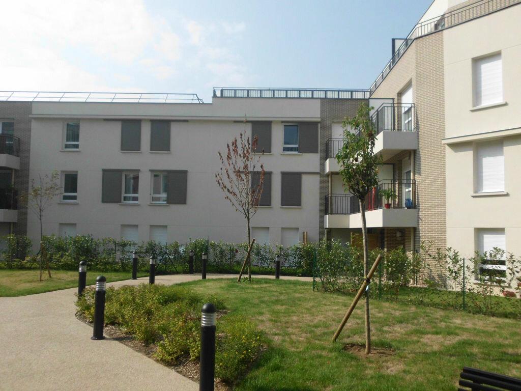 Location Stationnement  à Fontenay-le-Fleury - vignette-1