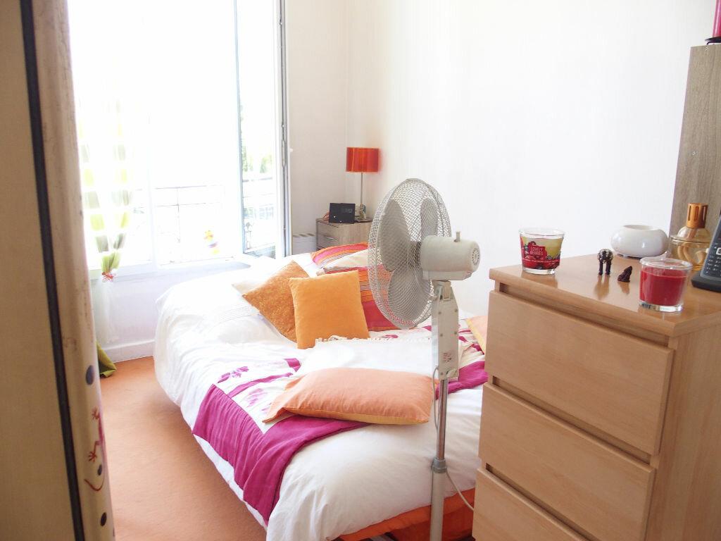 Achat Appartement 1 pièce à Fontenay-le-Fleury - vignette-1