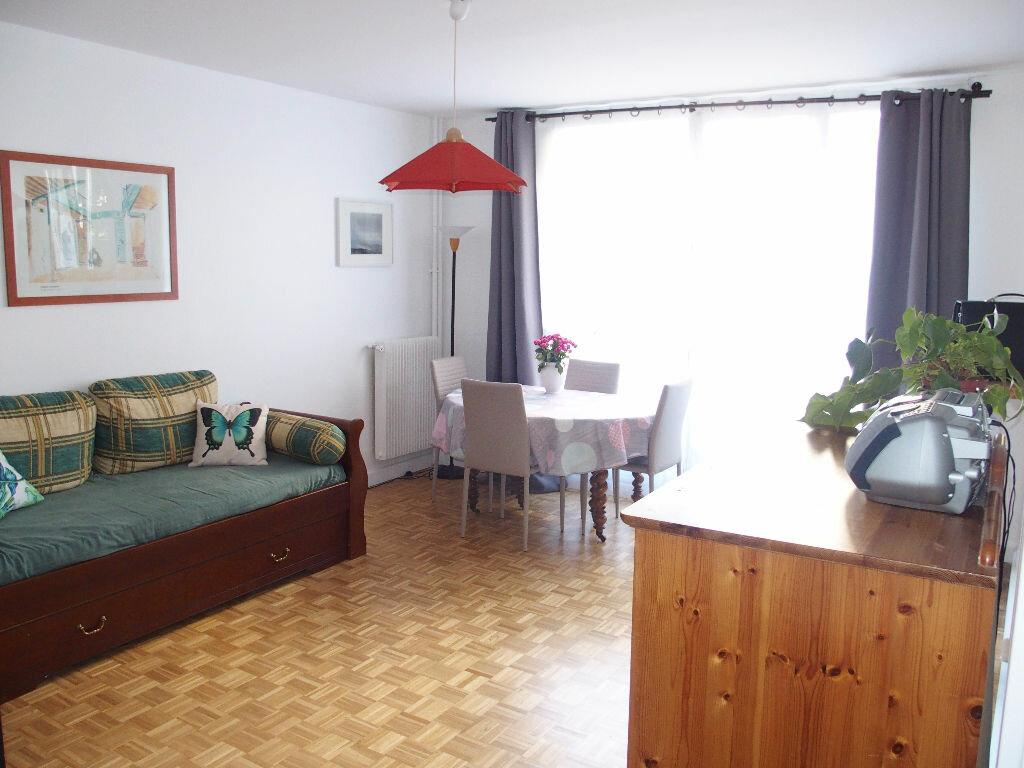 Achat Appartement 4 pièces à Fontenay-le-Fleury - vignette-1