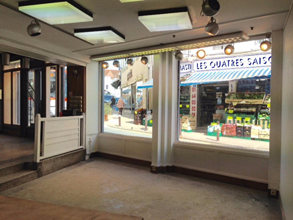 Location Local commercial  à Coulommiers - vignette-2