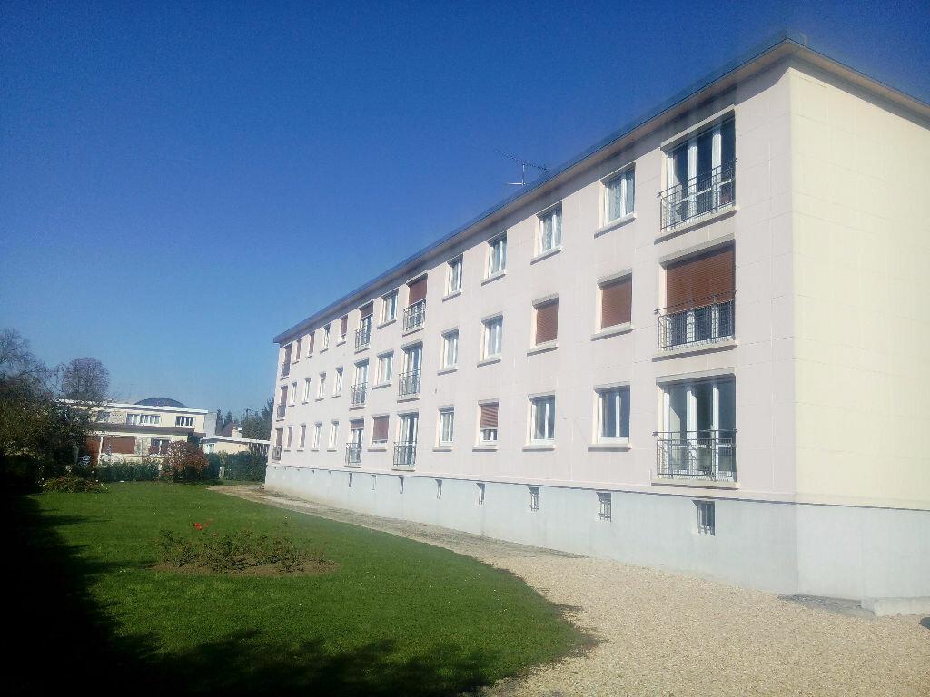 Achat Appartement 4 pièces à Coulommiers - vignette-1