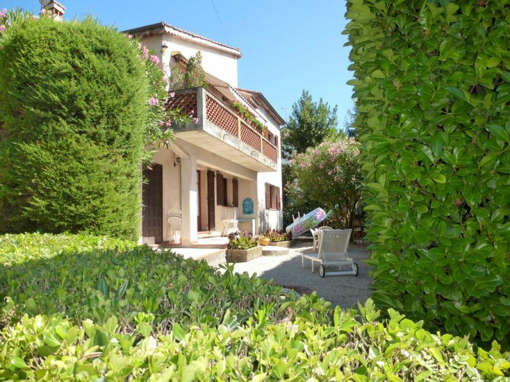 Location Appartement 3 pièces à Villeneuve-Loubet - vignette-1
