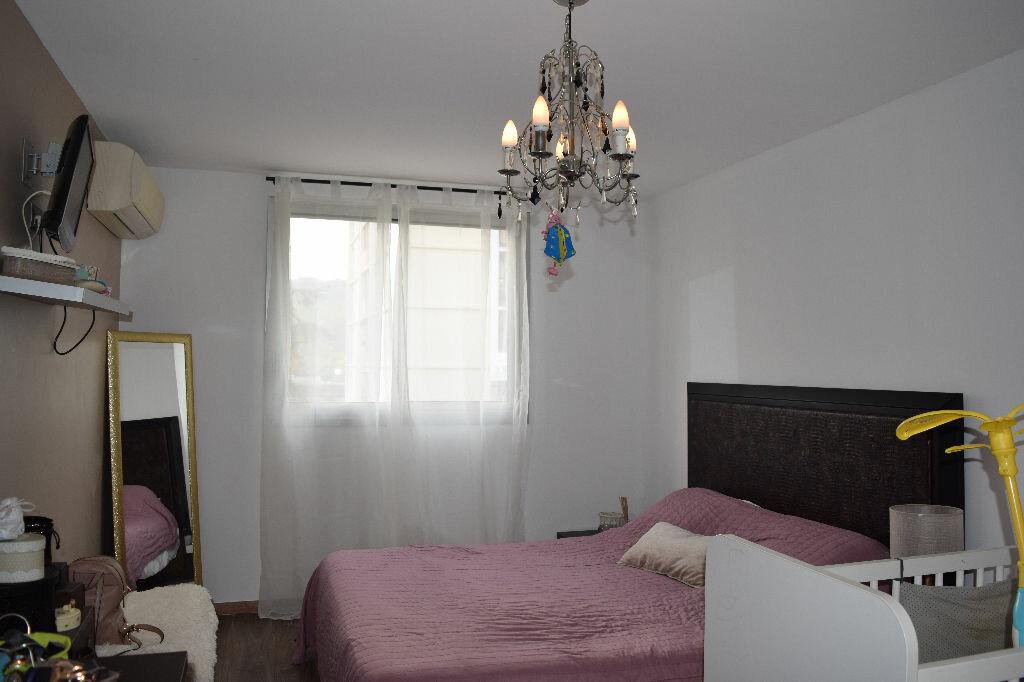 Achat Appartement 5 pièces à Villeneuve-Loubet - vignette-3