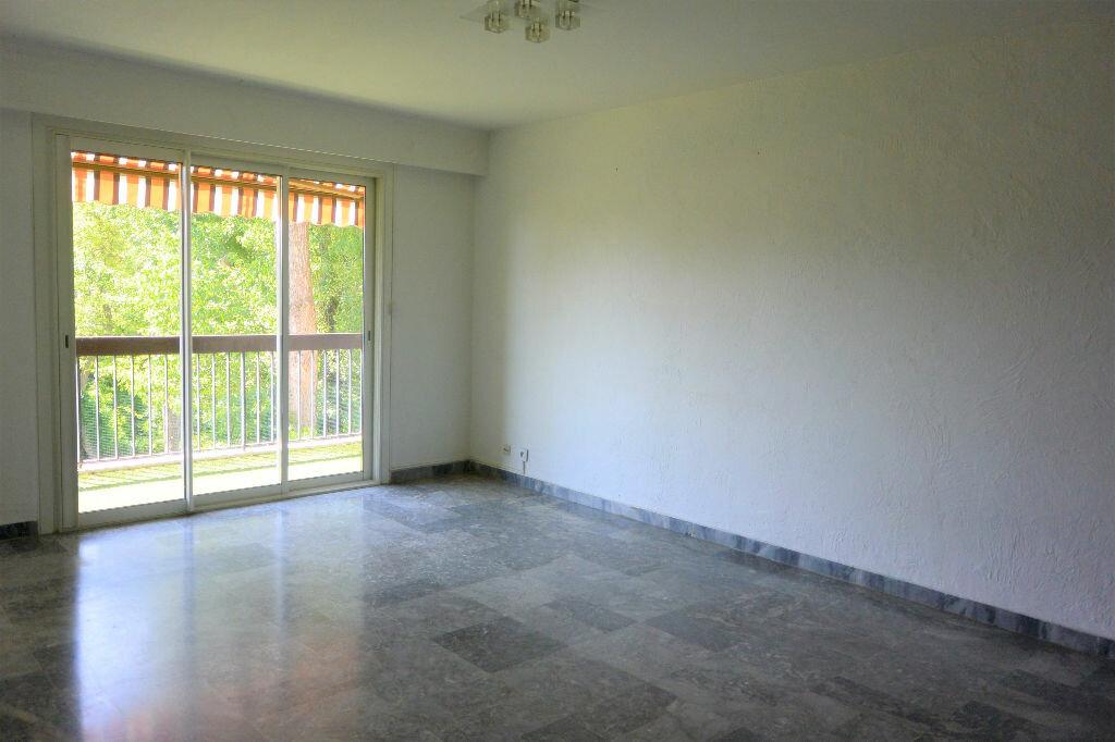 Achat Appartement 4 pièces à Villeneuve-Loubet - vignette-2