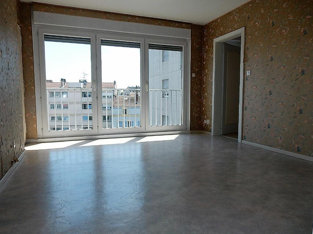 Achat Appartement 3 pièces à Montigny-lès-Metz - vignette-6
