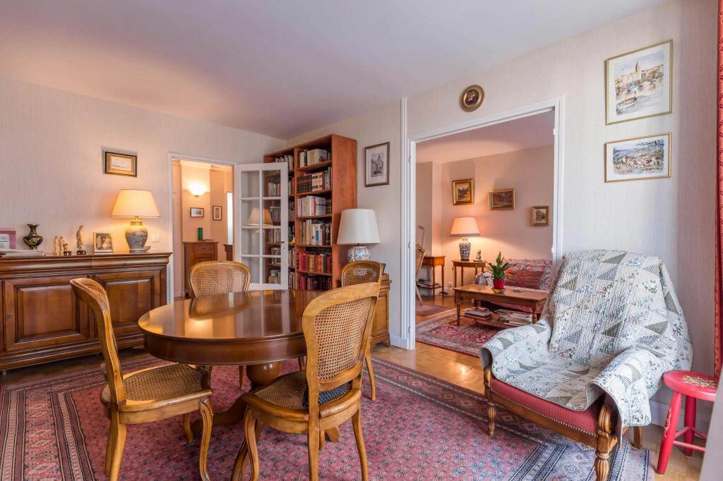 Achat Appartement 4 pièces à Paris 20 - vignette-1