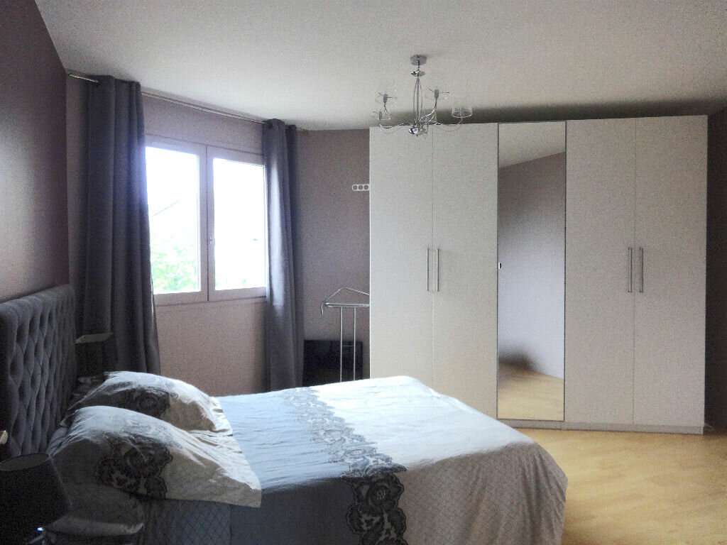 Achat Appartement 4 pièces à Cran-Gevrier - vignette-2