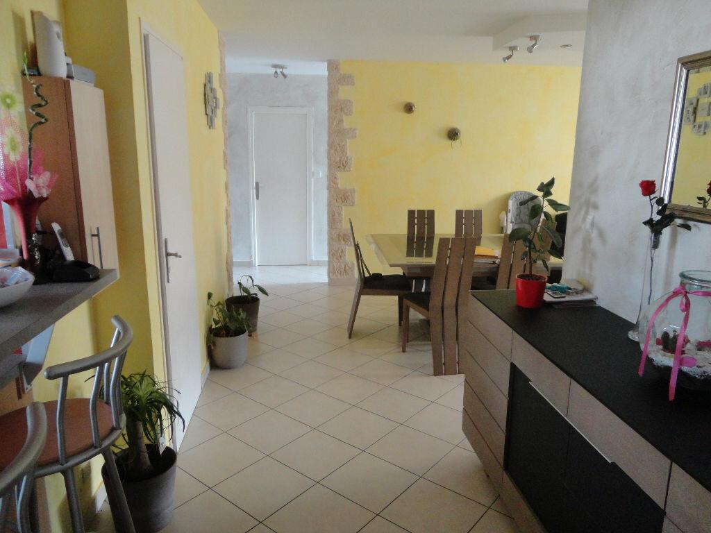 Achat Appartement 4 pièces à Rumilly - vignette-5