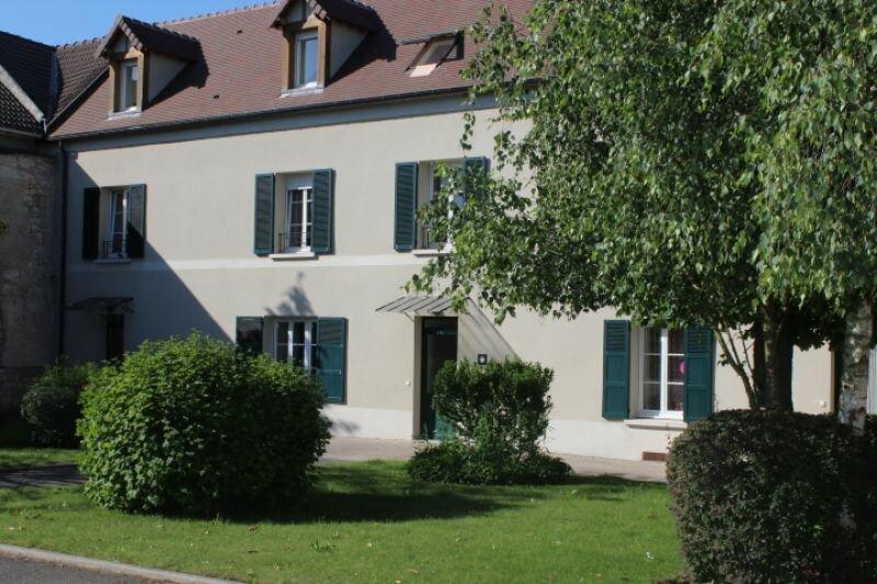 Location Appartement 4 pièces à Ecquevilly - vignette-1