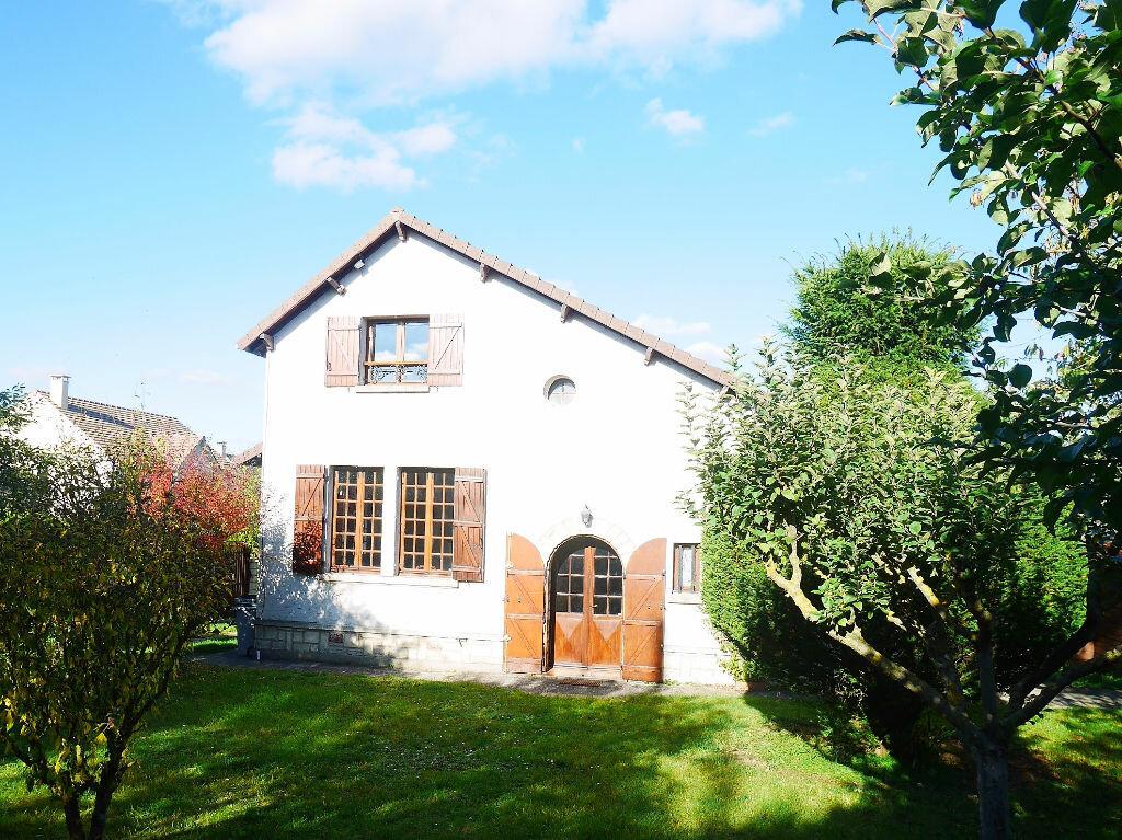 Location Maison 6 pièces à Vernouillet - vignette-1