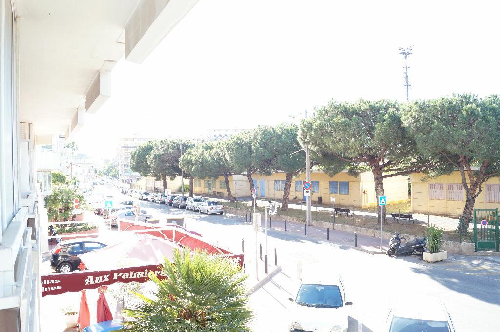 Location Appartement 2 pièces à Cannes - vignette-13