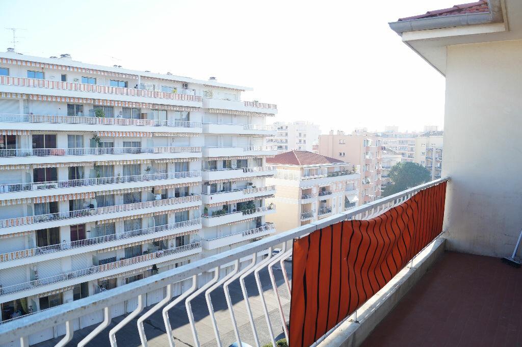 Location Appartement 2 pièces à Cannes - vignette-6