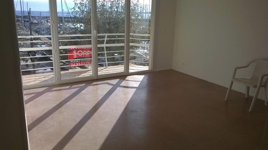 Location Appartement 1 pièce à Vallauris - vignette-3