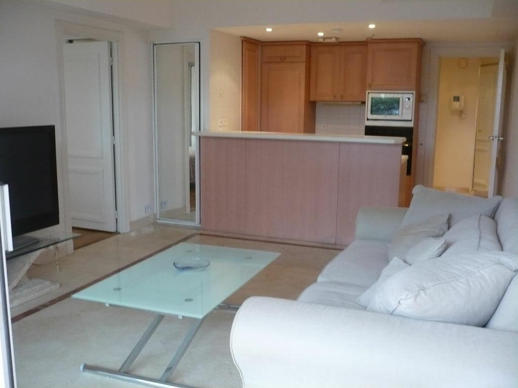 Location Appartement 2 pièces à Vallauris - vignette-4
