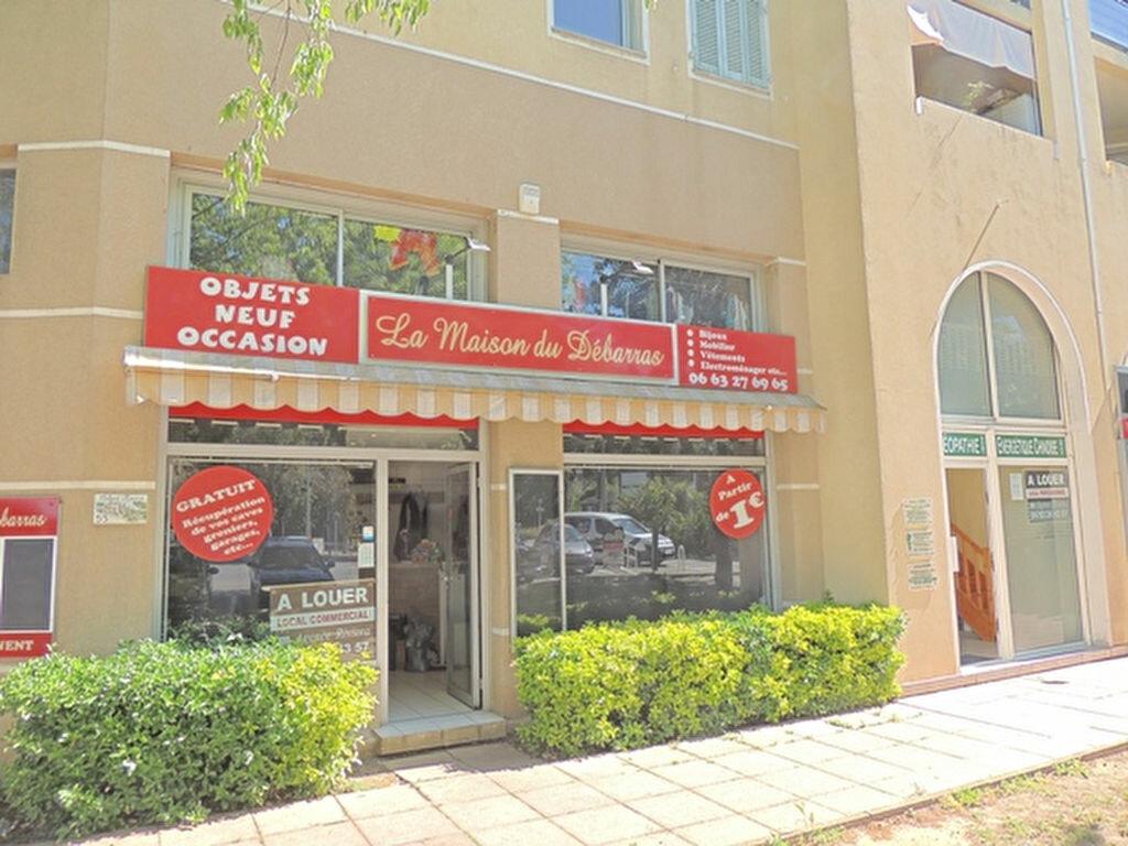 Location Local commercial  à Antibes - vignette-1