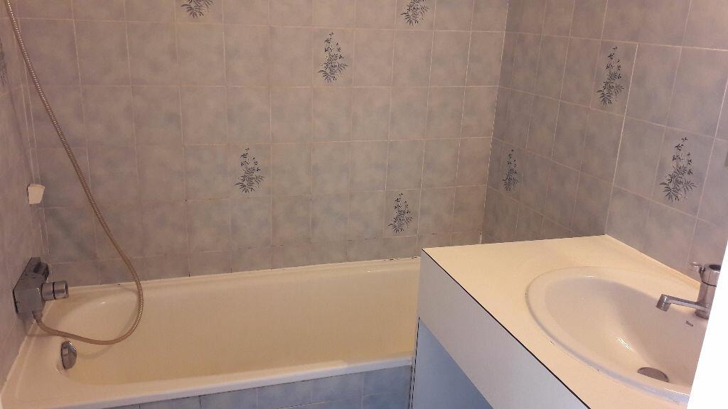 Location Appartement 1 pièce à Le Cannet - vignette-6