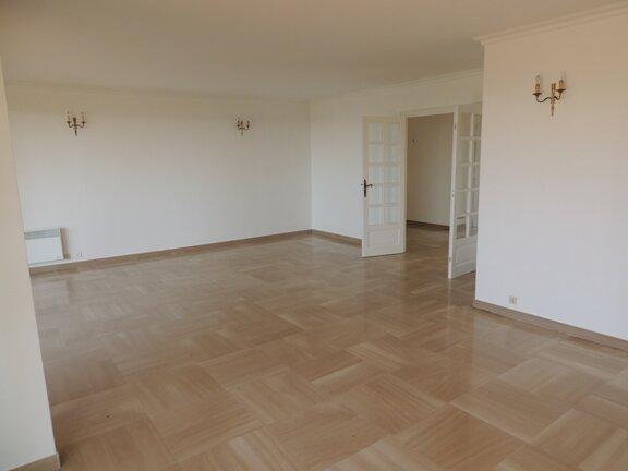 Location Appartement 3 pièces à Le Cannet - vignette-3