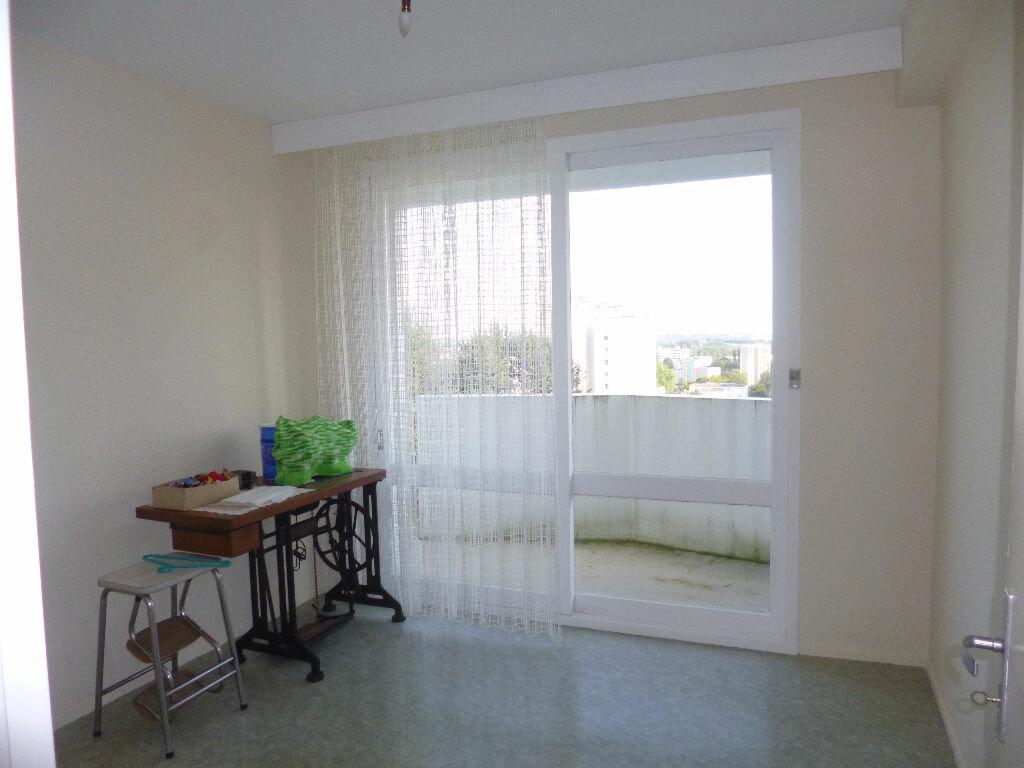 Achat Appartement 4 pièces à Saint-Quentin - vignette-4