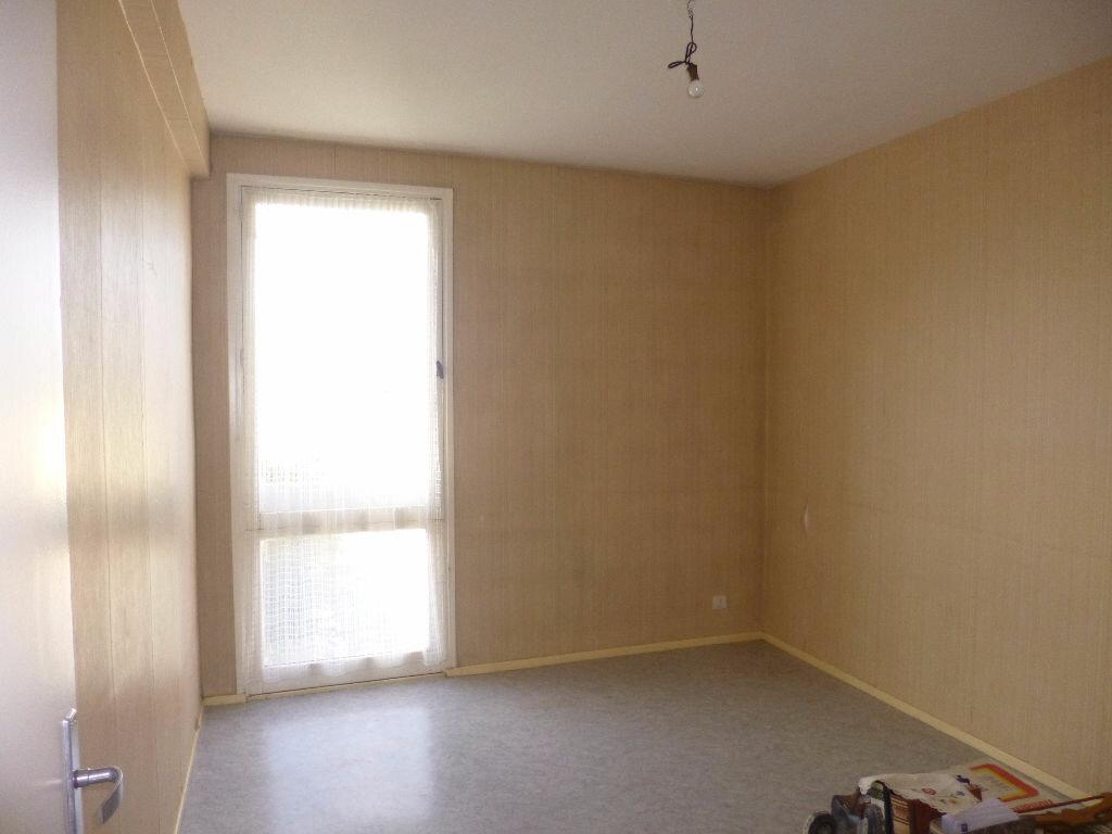 Achat Appartement 4 pièces à Saint-Quentin - vignette-5