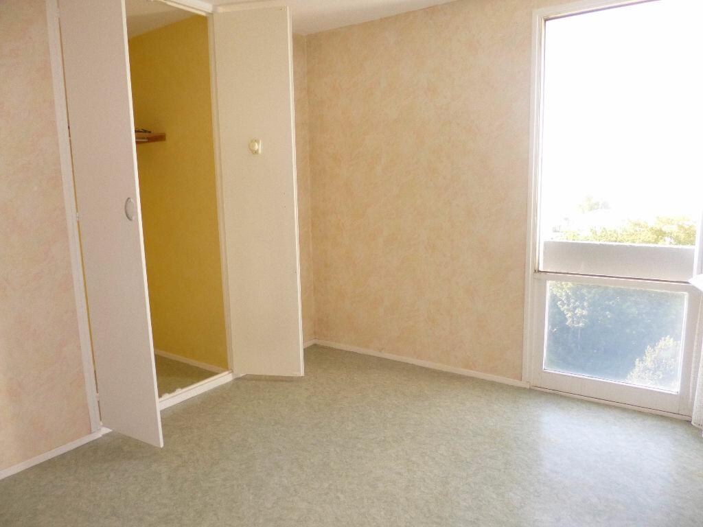 Achat Appartement 4 pièces à Saint-Quentin - vignette-7