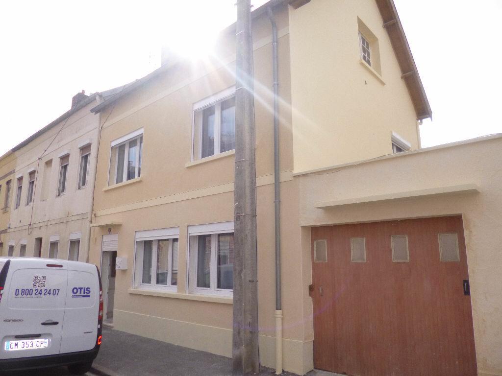 Achat Maison 4 pièces à Saint-Quentin - vignette-1