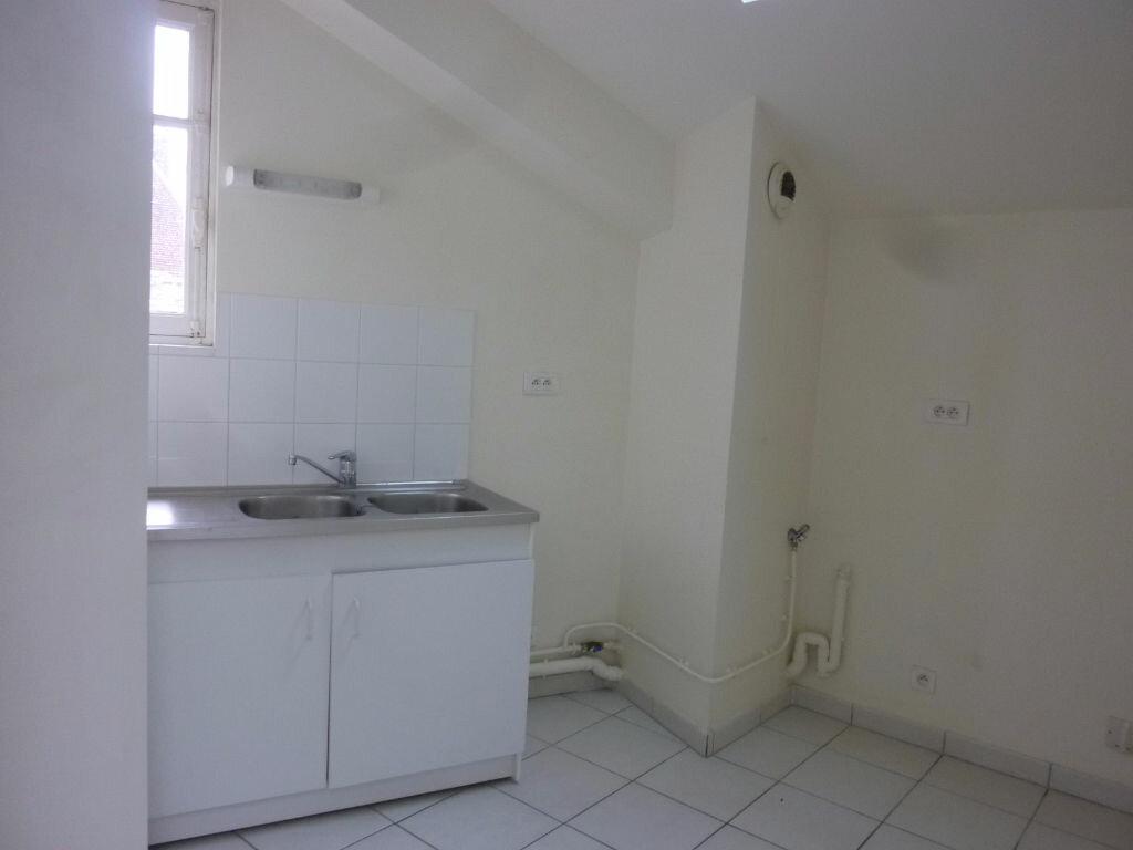 Location Appartement 4 pièces à Laon - vignette-2