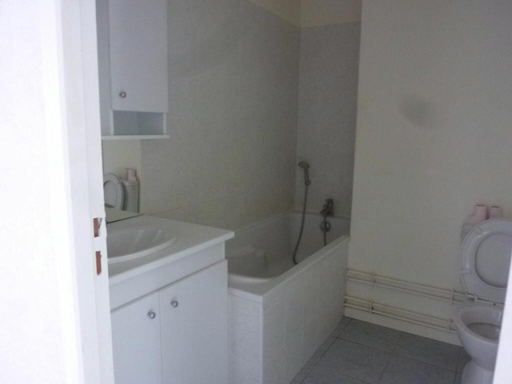 Location Appartement 4 pièces à Laon - vignette-3