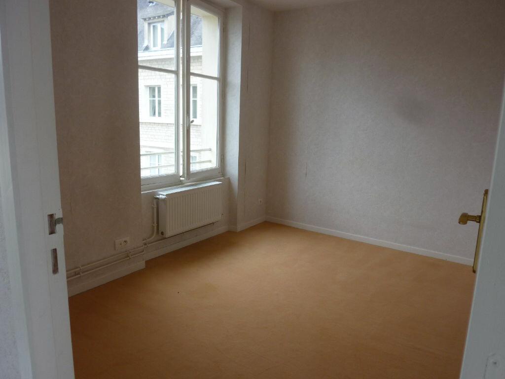 Location Appartement 4 pièces à Laon - vignette-4