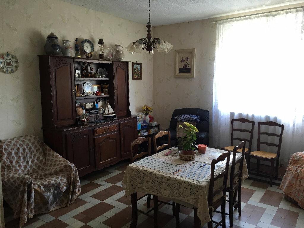 Achat Maison 6 pièces à Tavaux-et-Pontséricourt - vignette-5