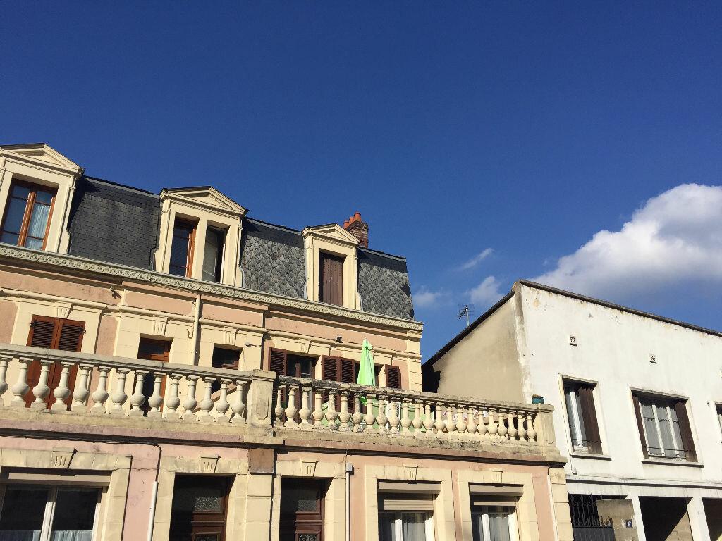 Achat Appartement 4 pièces à Laon - vignette-1