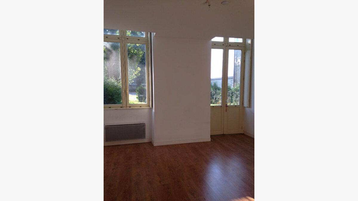 Location Appartement 3 pièces à Laon - vignette-1
