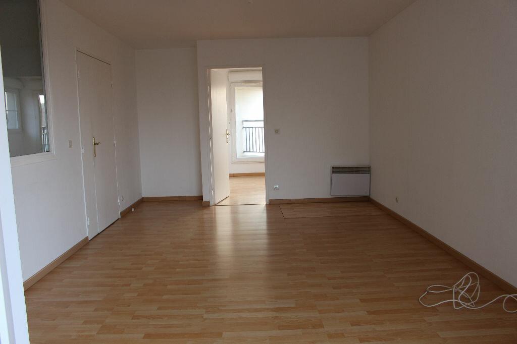 Achat Appartement 2 pièces à Bussy-Saint-Georges - vignette-2