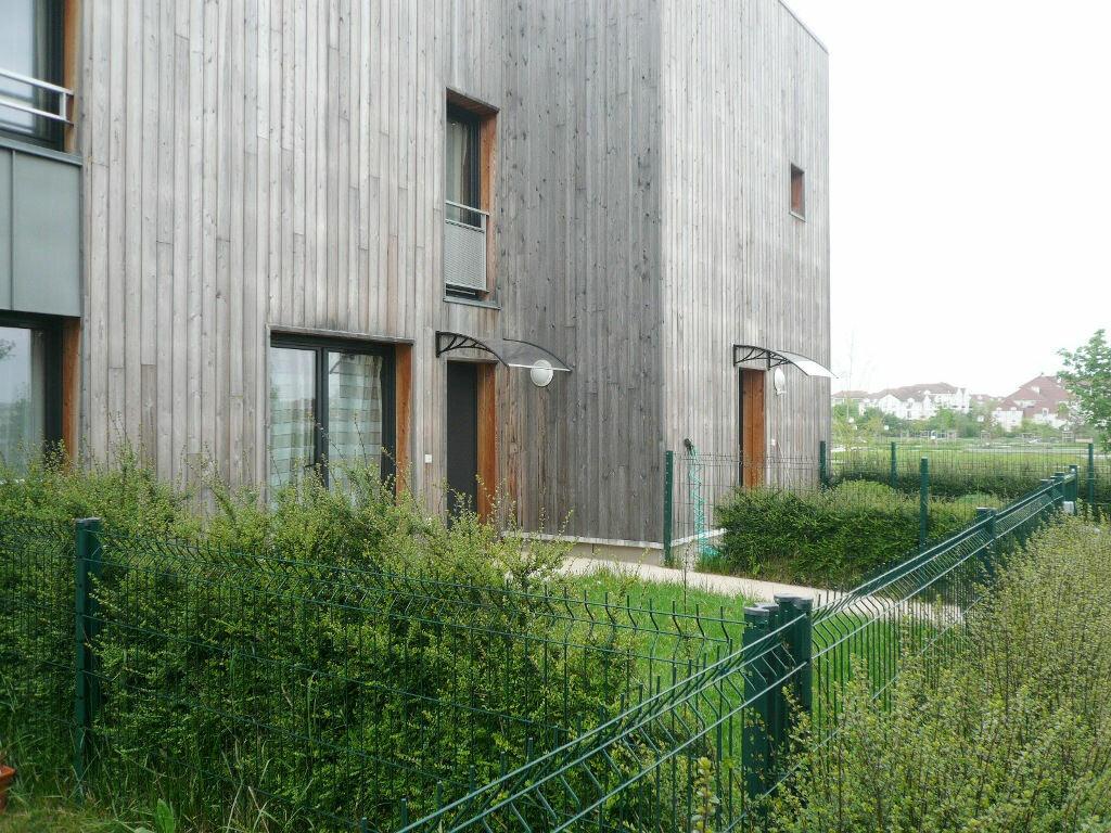 Achat Maison 4 pièces à Bussy-Saint-Georges - vignette-1