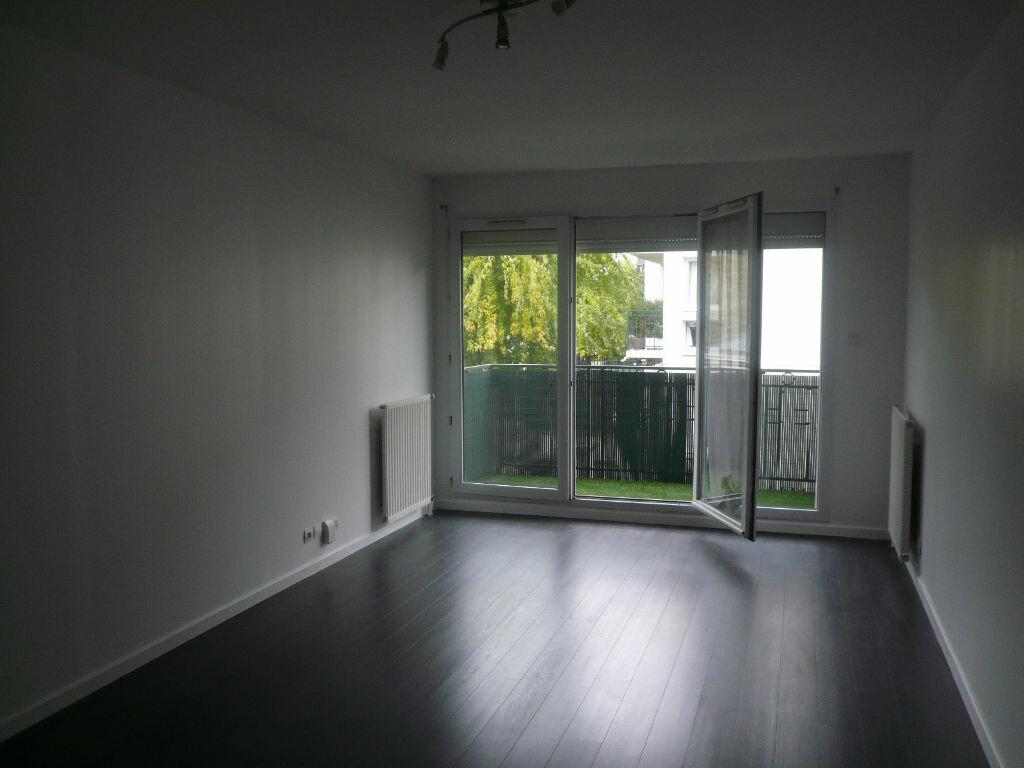 Location Appartement 3 pièces à Bussy-Saint-Georges - vignette-1