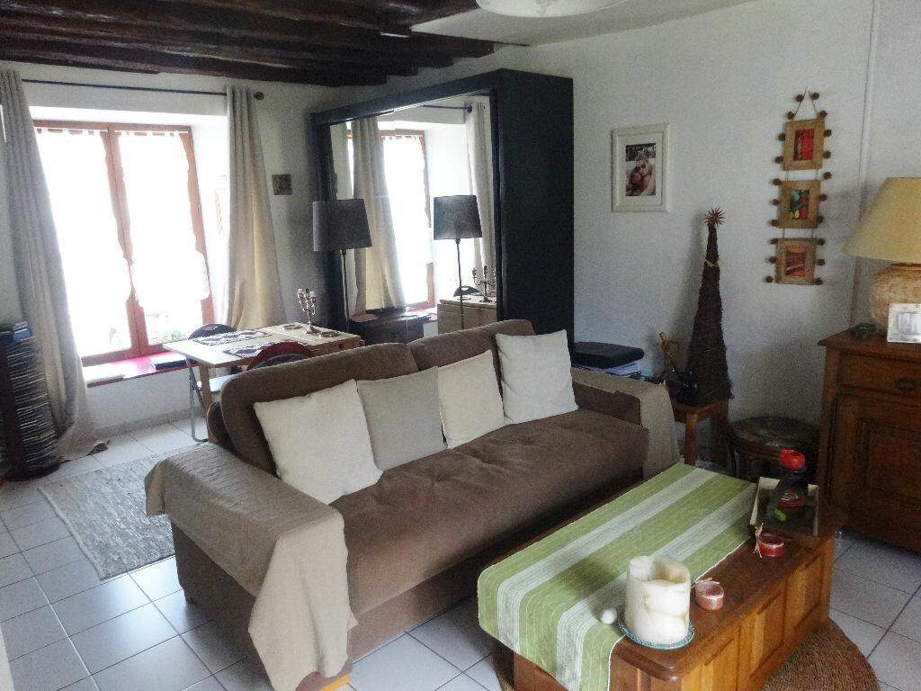 Achat Appartement 1 pièce à Osny - vignette-1