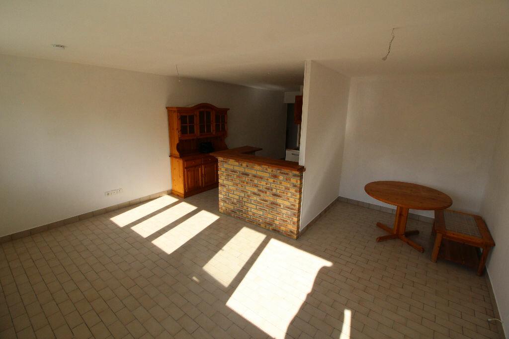 Achat Appartement 1 pièce à Brétigny-sur-Orge - vignette-2