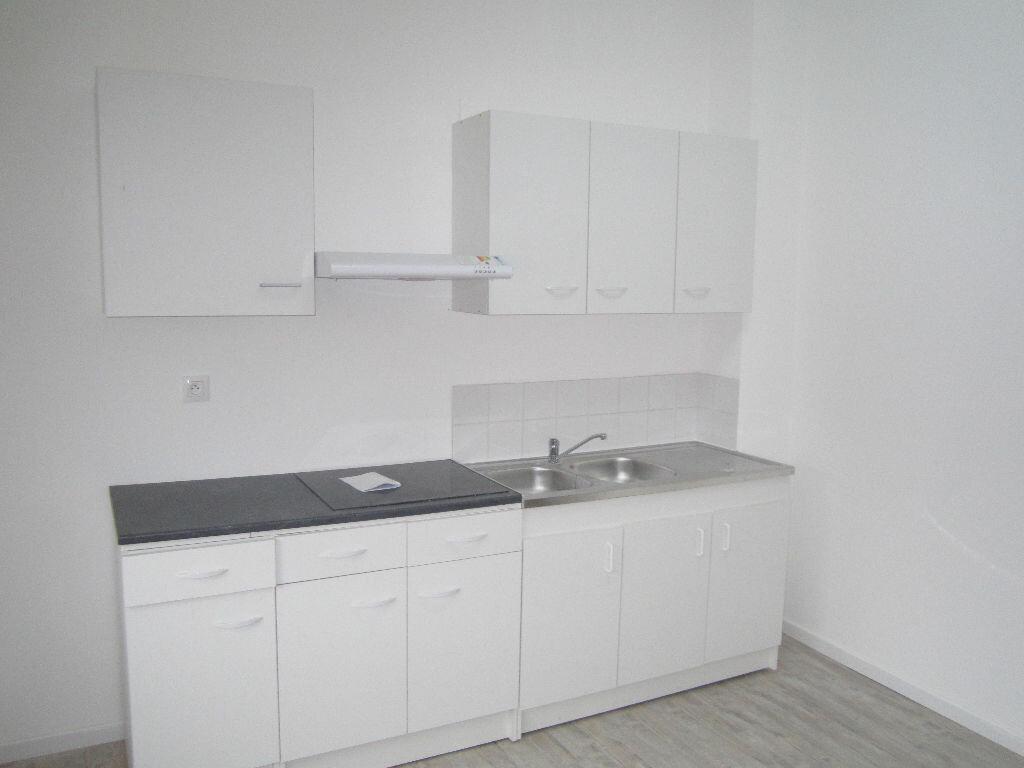 Location Appartement 3 pièces à Armentières - vignette-1