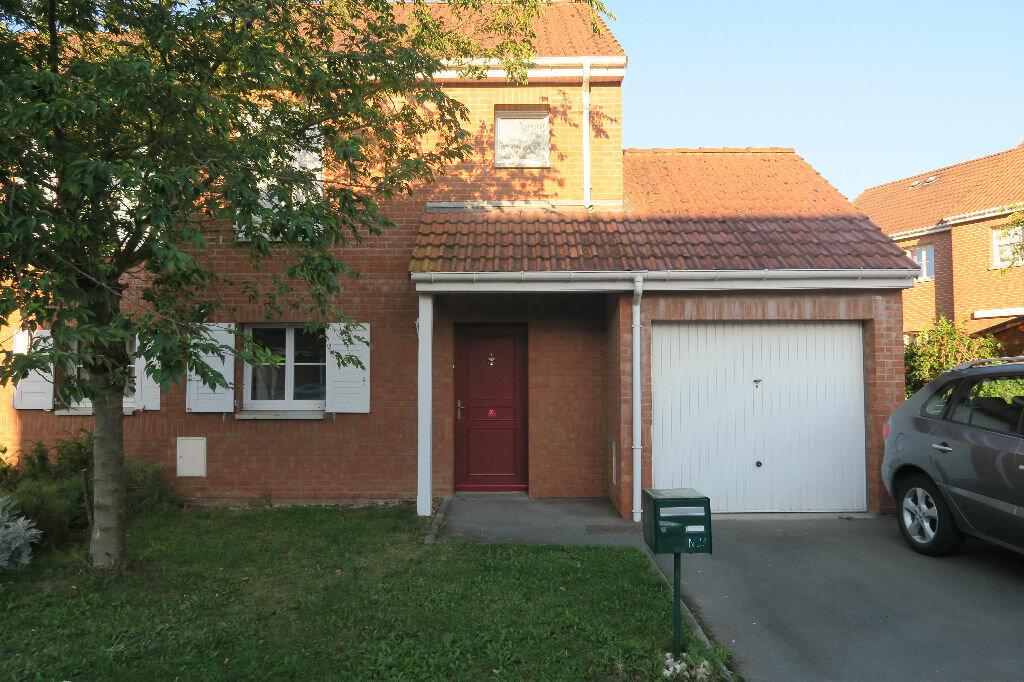 Location Maison 4 pièces à Armentières - vignette-1
